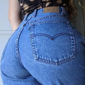 """VTG Levi's High Waisted Mom Jeans 30"""""""